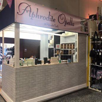 Aphrodite Opella, Barrow